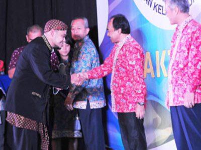 Mizumi Koi Raih Penghargaan Adibakti Bina Bahari